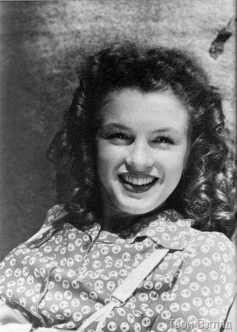 Мэрилин Монро в 1942 году