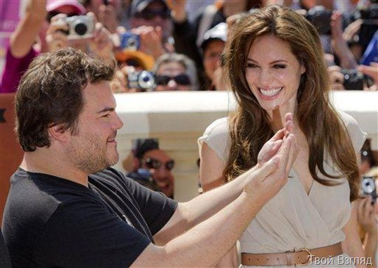 Джек Блэк и Анджелина Джоли на презентации фильма «Панда Кунг-Фу 2»