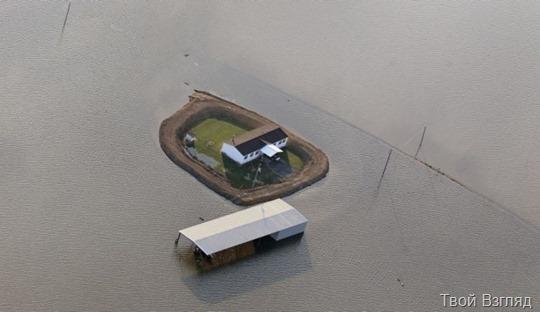 Владельцы домов в Миссисипи строят собственные дамбы