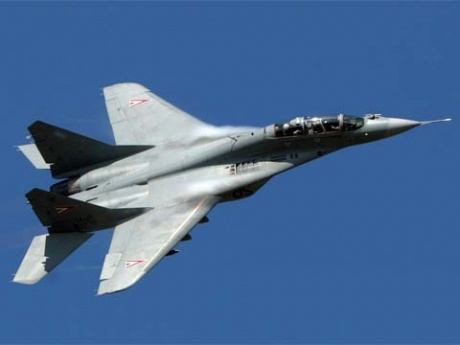 Истребитель МиГ-29 разбился в Астраханской области (видео)