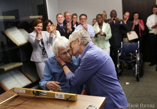 Пожилые американки сыграли однополую свадьбу в Нью-Йорке (2)