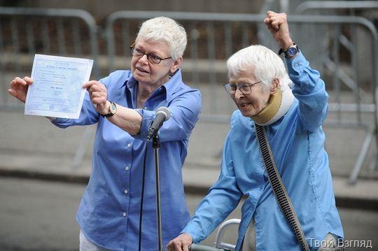 Пожилые американки сыграли однополую свадьбу в Нью-Йорке (4)