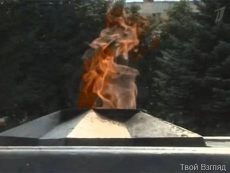 У Вечного огня. Видео ток-шоу «Пусть говорят» от 23 августа (смотреть онлайн)