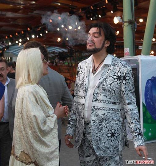 Лайма Вайкуле восторгается шикарным костюмом Филиппа Бедросовича