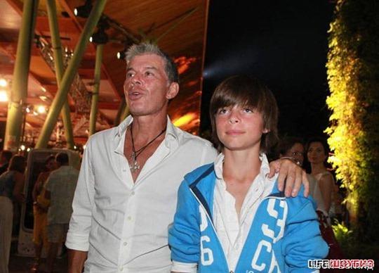 Олег Газманов болел за фаворитов конкурса и поддерживал каждого из финалистов