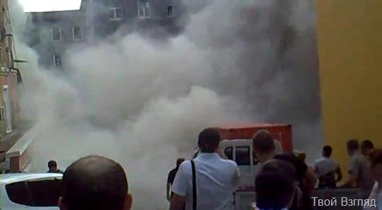Во Владивостоке на глазах людей рухнул жилой дом