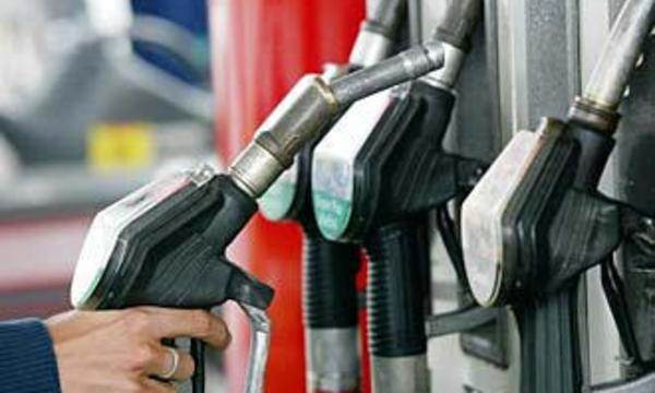 Самый дешевый бензин продается на западе Европы