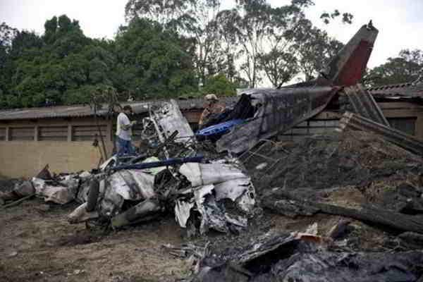 На зоопарк в Гватемале упал самолет