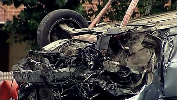 Автомобиль упал в Яузу