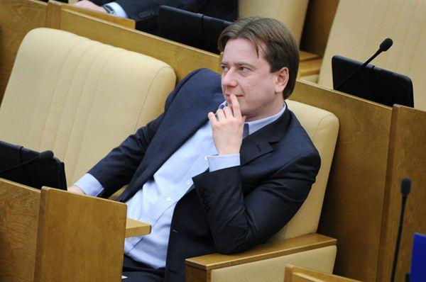 Первый заместитель председателя комитета Госдумы РФ по образованию Владимир Бурматов