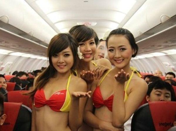 Эротическое шоу на борту авиалайнера